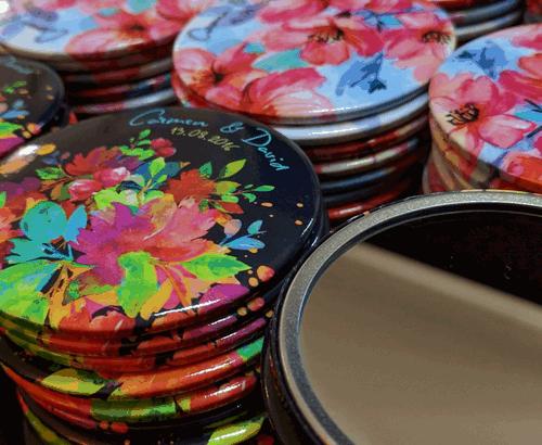Chapas de Espejo y abrebotellas personalizados para ocasiones especiales